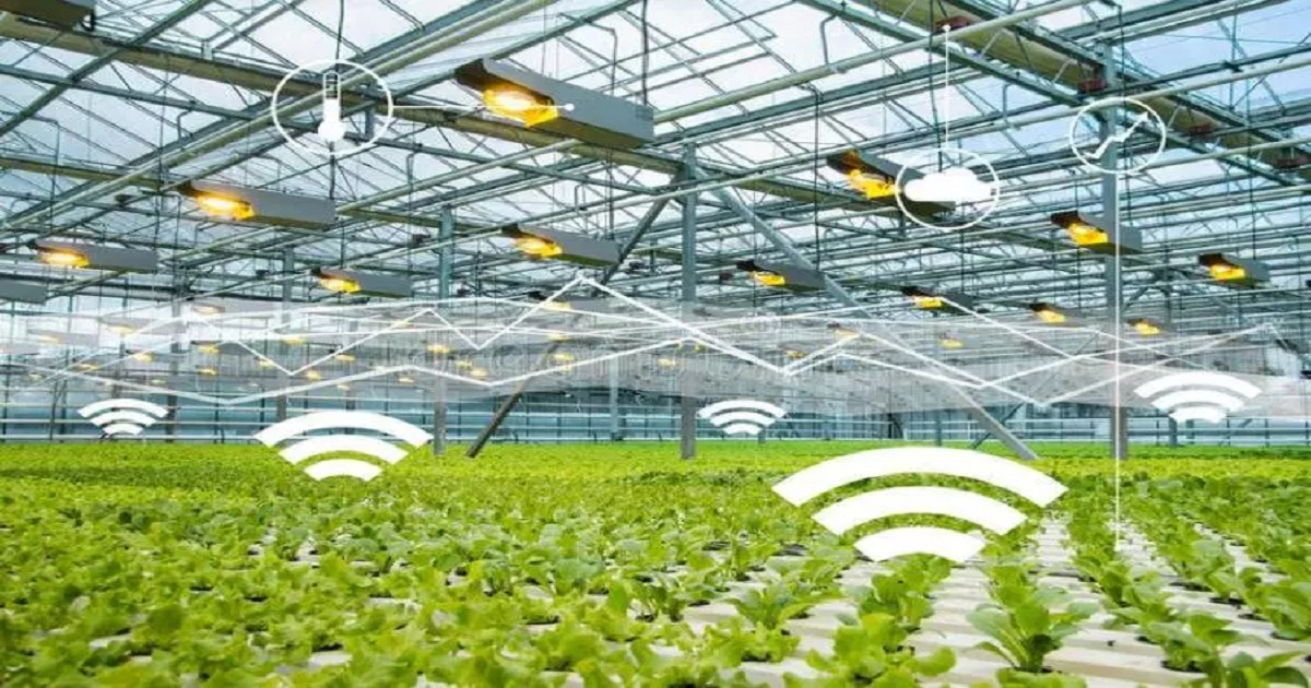 SMART GREENHOUSE: A REVOLUTIONIZING CULTIVATION SYSTEM WITH IOT