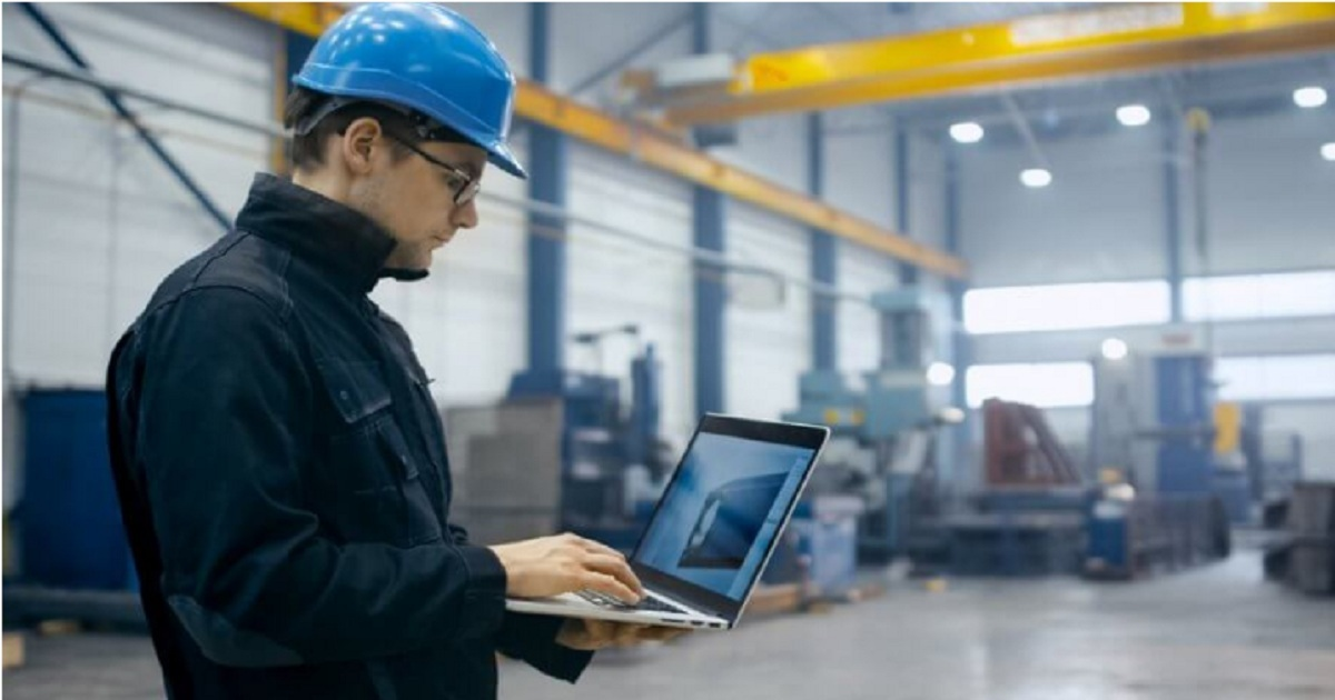 WHY BUSINESSES SHOULDN'T OVERLOOK THE ROLE OF IOT IN MANUFACTURING